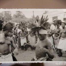 Postales: FOTO ANTIGUA DE LA GUINEA ESPAÑOLA. BAILE AFRICANO. Lote 226845880