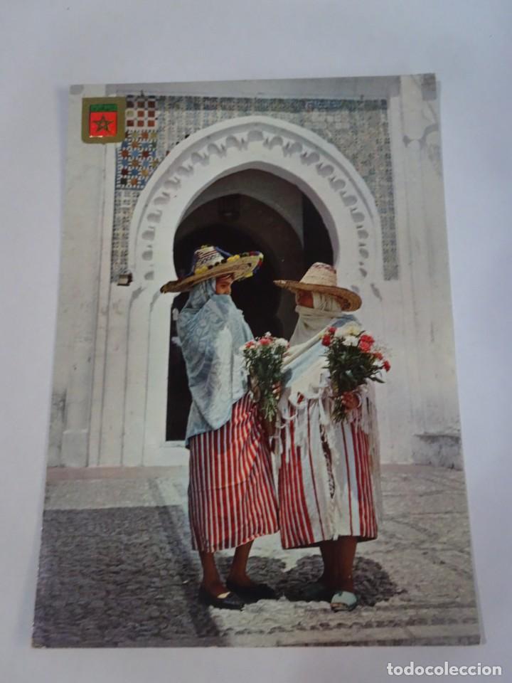 ANTIGUA POSTAL CPSM , TÁNGER, TRAJES TÍPICOS, VER FOTOS (Postales - Postales Temáticas - Ex Colonias y Protectorado Español)