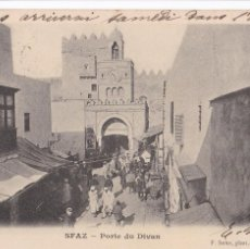 Postales: TUNEZ, SFAZ PORTE DU DIVAN. ED. F. SOLER. REVERSO SIN DIVIDIR. CIRCULADA EN 1904. Lote 246533850