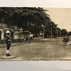 Postales: BATA, GUINEA ESPAÑOLA.. POSTAL ANIMADA, CALLE CANALEJAS.. FOTO CALIFORNIA, BATA. (A.1954) CÍRCULADA. Lote 287471993