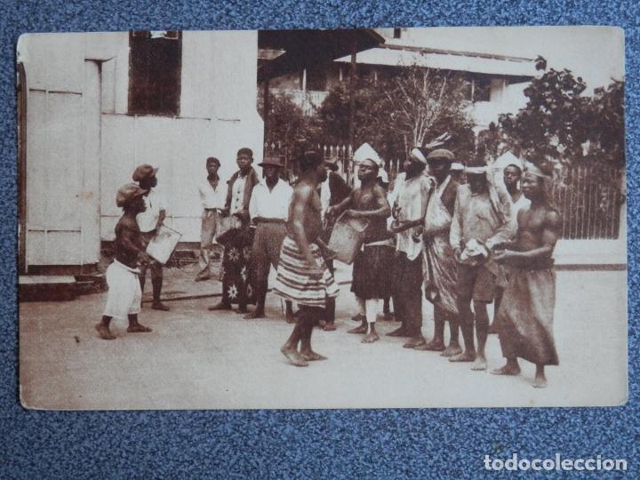 GUINEA CONTINENTAL UN PEQUEÑO BALELE (Postales - Postales Temáticas - Ex Colonias y Protectorado Español)