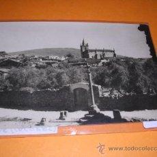 Postales: HOYOS ( CACERES ) 1004 VISTA PARCIAL E IGLESIA PARROQUIAL ED. DIAZ. -15X10 CM.. Lote 27975284