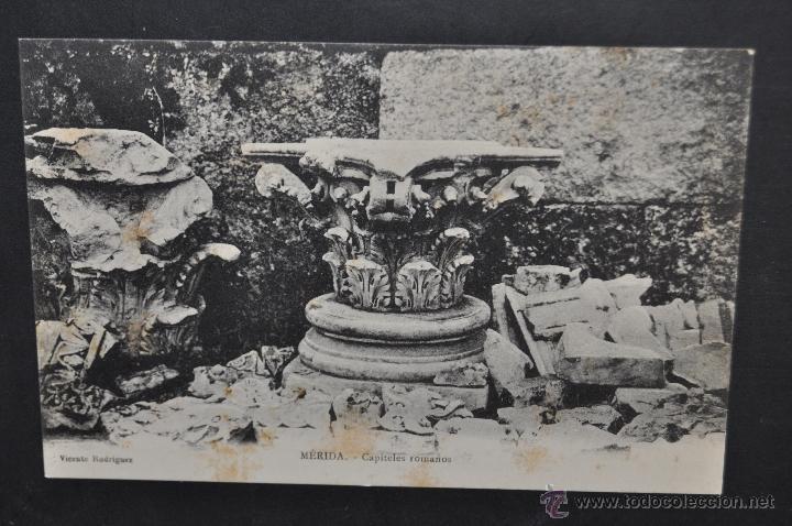 ANTIGUA POSTAL DE MERIDA. BADAJOZ. CAPITELES ROMANOS. SIN CIRCULAR (Postales - España - Extremadura Antigua (hasta 1939))
