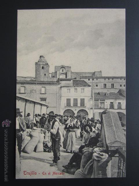 POSTAL CÁCERES. TRUJILLO. EN EL MERCADO. A. DURÁN. (Postales - España - Extremadura Antigua (hasta 1939))