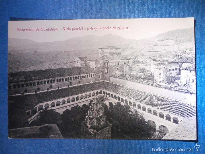 POSTAL - ESPAÑA - CÁCERES - MONASTERIO DE GUADALUPE VISTA GENERAL A VUELO DE PAJARO - THOMAS - NUEVA (Postales - España - Extremadura Antigua (hasta 1939))