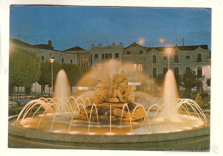 DON BENITO (BADAJOZ).- PLAZA DE ESPAÑA. FUENTE LUMINOSA (Postales - España - Extremadura Moderna (desde 1940))