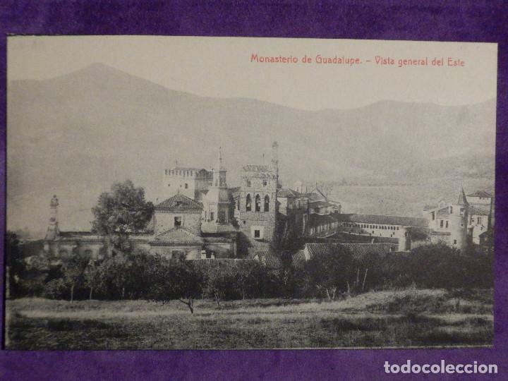 POSTAL - ESPAÑA - CACERES MONASTERIO DE GUADALUPE - VISTA GENERAL DEL ESTE - THOMAS (Postales - España - Extremadura Antigua (hasta 1939))