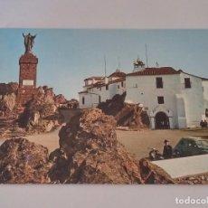 Postales: FOTO POSTAL DE CACERES,SANTUARIO VIRGEN DE LA MONTAÑA, VESPA Y SEAT 600, ED. ARRIBAS. SIN CIRCULAR. Lote 63205464