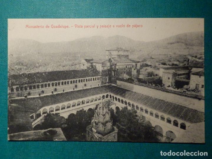POSTAL - ESPAÑA - CÁCERES - MONASTERIO DE GUADALUPE - VISTA PARCIAL Y PAISAJE A VUELO - THOMAS 2883 (Postales - España - Extremadura Antigua (hasta 1939))