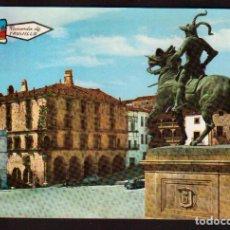 Postales: POSTAL DE TRUJILLO PALACIO Y ESTATUA BONITAS VISTAS LA DE LA FOTO VER TODOS MIS LOTES D?E POSTALES. Lote 78394513