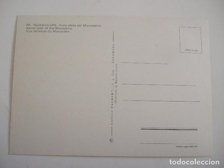 Postales: POSTAL CACERES - GUADALUPE - VISTA AEREA DEL MONASTERIO - 1973 - GARCIA GARRABELLA 85 - SIN CIRCULAR - Foto 2 - 80577794
