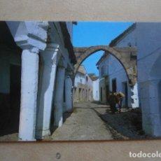 Postales: POSTAL GARROVILLAS, CACERES, ARCO CALLE MENDO. Lote 126649799