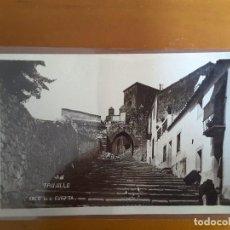 Postales: POSTAL TRUJILLO - ARCO DE LA CUESTA. Lote 131545418