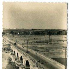 Cartes Postales: TARJETA POSTAL FOTOGRAFICA - MERIDA / PUENTE ROMANO. Lote 212868825