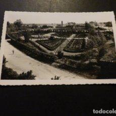 Postales: BADAJOZ VISTA GENERAL DEL PARQUE DE CERVANTES ED. ARRIBAS Nº 60. Lote 166013394