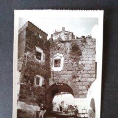 Postales: CACERES PUERTA ROMANA DEL ARCO DEL CRISTO EDICION FLORIANO COLECCION ARQUITECTONICA. Lote 171745047