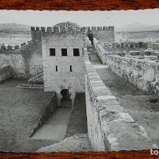 Postales: FOTO POSTAL DETRUJILLO. CASTILLO Y ERMITA VIRGEN DE LA VICTORIA. ED. ARRIBAS. NO CIRCULADA.. Lote 177375768