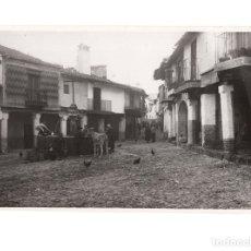 Postales: GUADALUPE.(CÁCERES).- FUENTE DE LOS TRES CAÑOS. FOTOGRAFIA. 17X11. Lote 177643995