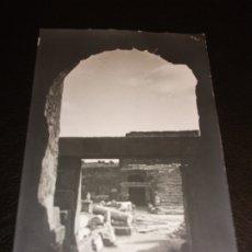 Postales: TARJETA POSTAL FOTOGRAFICA DE MERIDA BADAJOZ - TEATRO ROMANO RUINAS 2 - FOTO BOCCÓNI. Lote 178656992