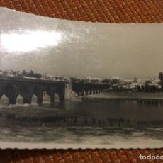 Postales: ANTIGUA POSTAL FOTOGRÁFICA BADAJOZ PUENTE ROMANO SOBRE EL GUADIANA. Lote 183027367