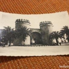 Postales: ANTIGUA POSTAL FOTOGRÁFICA BADAJOZ PUERTA DE PALMA. Lote 183027913