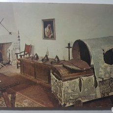 Postales: TARJETA MONASTERIO DE SAN JERÓNIMO DE YUSTE CÁCERES - LITERA DEL EMPERADOR CARLOS V - 1965 - 106X151. Lote 191986031