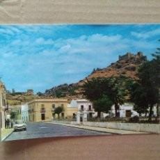 Cartes Postales: POSTAL BURGUILLOS DEL CERRO BADAJOZ. PARQUE CARRERO BLANCO (ANTES FUENTELLANO) AL FONDO EL CASTILLO. Lote 196267363