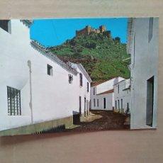 Postales: POSTAL BURGUILLOS DEL CERRO BADAJOZ, CALLE JOSE SANTA LUCIA Y AMAYA AL FONDO EL CASTILLO. Lote 196267600