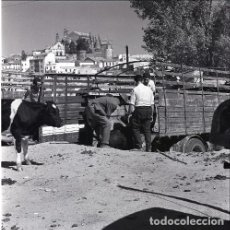 Postales: NEGATIVO ESPAÑA CÁCERES PLASENCIA FERIA GANADO 1970 KODAK 55MM GRAN FORMATO NEGATIVE SPAIN PHOTO. Lote 199806160