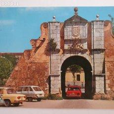 Cartes Postales: BADAJOZ - PUERTA PILAR - AUTOMÓVILES- LMX - EXT3. Lote 212982892