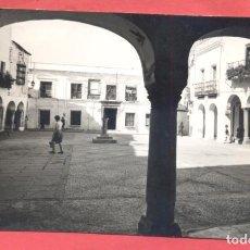 Postales: ZAFRA (BADAJOZ) 1009 PLAZA DE JOSE ANTONIO, EDI. ARRIBAS, SIN CIRCULAR VER FOTOS. Lote 217653303