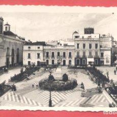 Postales: BADAJOZ 18 PLAZA DE CERVANTES, VARIEDAD ED. M. ARRIBAS EN REVERSO, DENTADA, S/C, VER FOTOS. Lote 222390372