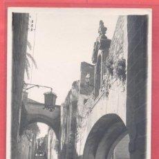 Postales: CACERES , 26 LOS ADARVES,, FOT. JAVIER ,CIRCULADA 1960 SIN SELLO, VER FOTOS. Lote 222836921