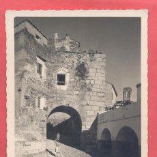 Postales: CACERES, 44 ARCO DEL CRISTO, EDICIONES VALA. CIRCULADA 1955, VER FOTOS. Lote 222872291