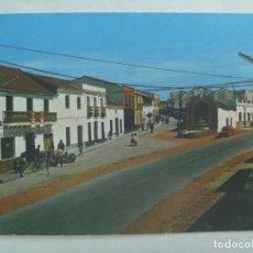 Postales: POSTAL DE MONESTERIO ( BADAJOZ ): CAMINO DE LA PLATA. AÑOS 60, BAR LA PLATA, MOTO VESPA, ETC. Lote 222920795