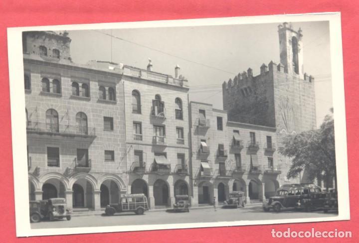 CACERES 8 PLAZA DEL GENERAL MOLA Y TORRE DE BUJACO, EDICIONES GARCIA GARRABELLA,.LISA, S/C, VER FOTO (Postales - España - Extremadura Moderna (desde 1940))
