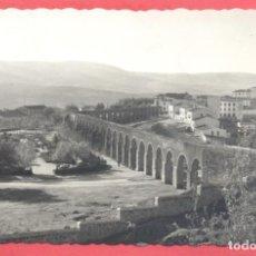 Postales: PLASENCIA (CACERES) 111 ACUEDUCTO Y JARDINES, ED. LIBRERIA CERVANTES, CIRCULADA 1960 .VER FOTOS. Lote 223858417