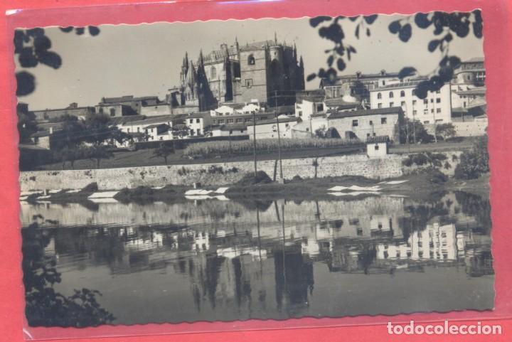 PLASENCIA (CACERES) 115 LA CATEDRAL DESDE EL RIO, ED. LIB. CERVANTES, S/C (Postales - España - Extremadura Moderna (desde 1940))