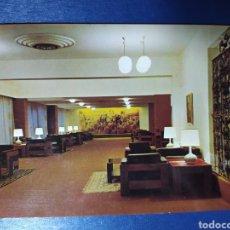Postales: BADAJOZ, HOTEL ZURBARÁN, SALÓN SOCIAL, AÑOS 60. Lote 224204995
