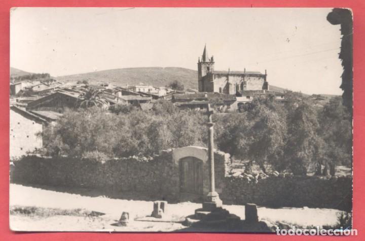 HOYOS (CACERES) 1004 VISTA PARCIAL E IGLESIA PARROQUIAL,ED. DIAZ, CIRCULADA SIN SELLO NI FECHA (Postales - España - Extremadura Moderna (desde 1940))