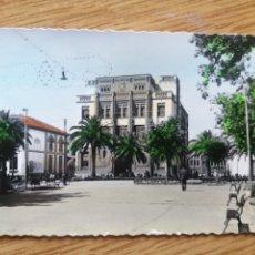 Postales: POSTAL BADAJOZ PASEO DEL GENERAL FRANCO EDIFICIO DE CORREO Y TELÉGRAFOS. Lote 224722107
