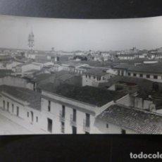Postales: VILLAFRANCA DE LOS BARROS BADAJOZ VISTA PANORAMICA ED. ALARDE Nº 11. Lote 233038625