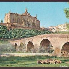 Postais: CORIA. *PUENTE ROMANO, AL FONDO LA CATEDRAL* NUEVA. Lote 12377164
