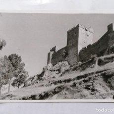 Postais: POSTAL, ALBURQUERQUE - BADAJOZ, CASTILLO DESDE LAS LADERAS, ESCRITA 1955. Lote 241050575