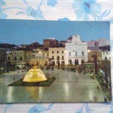 Postales: POSTAL MERIDA, PLAZA DE ESPAÑA NOCTURNA. Lote 244665580