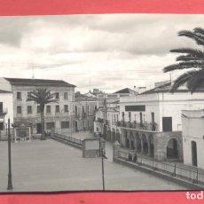 Postales: FREGENAL DE LA SIERRA (BADAJOZ) 13 PLAZA DEL GENERALISIMO FRANCO, ED. ALARDE,S/C VER FOTOS. Lote 258865660