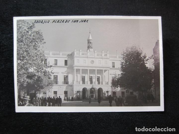 BADAJOZ-PLAZA DE SAN JUAN-FOTOGRAFICA-POSTAL ANTIGUA-(80.379) (Postales - España - Extremadura Antigua (hasta 1939))