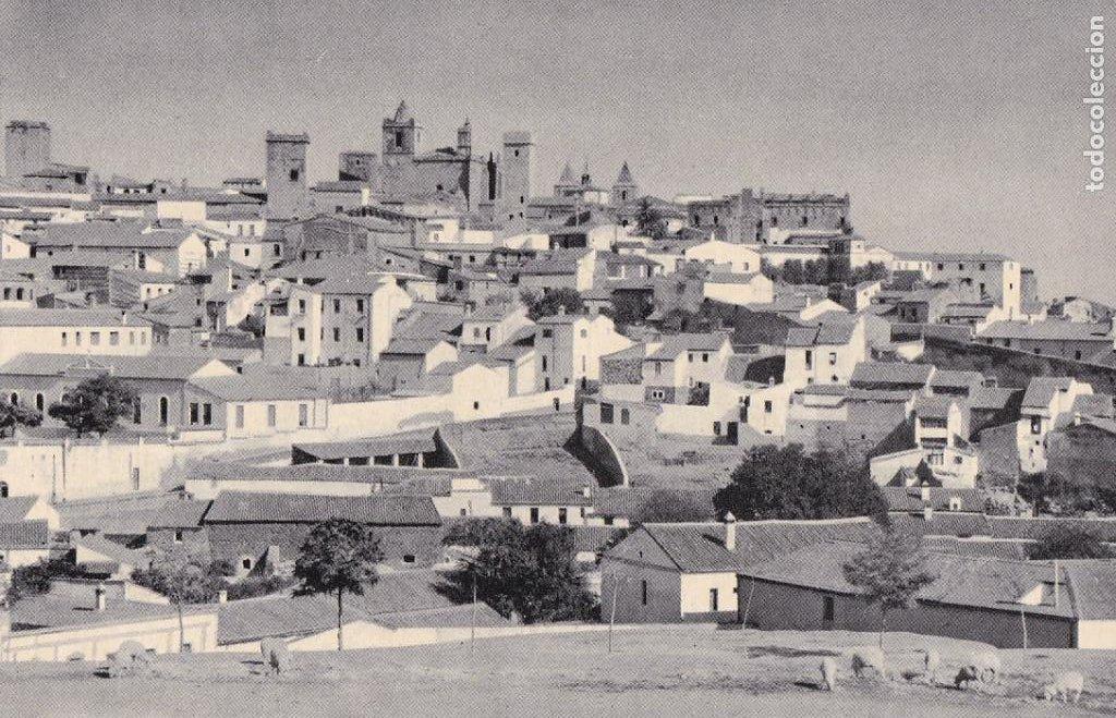 CACERES PARTE ANTIGUA. ED. GRAFICAS MANEN. Nº 1. PUBLICIDAD HOTEL ALVAREZ. SIN CIRCULAR (Postales - España - Extremadura Antigua (hasta 1939))