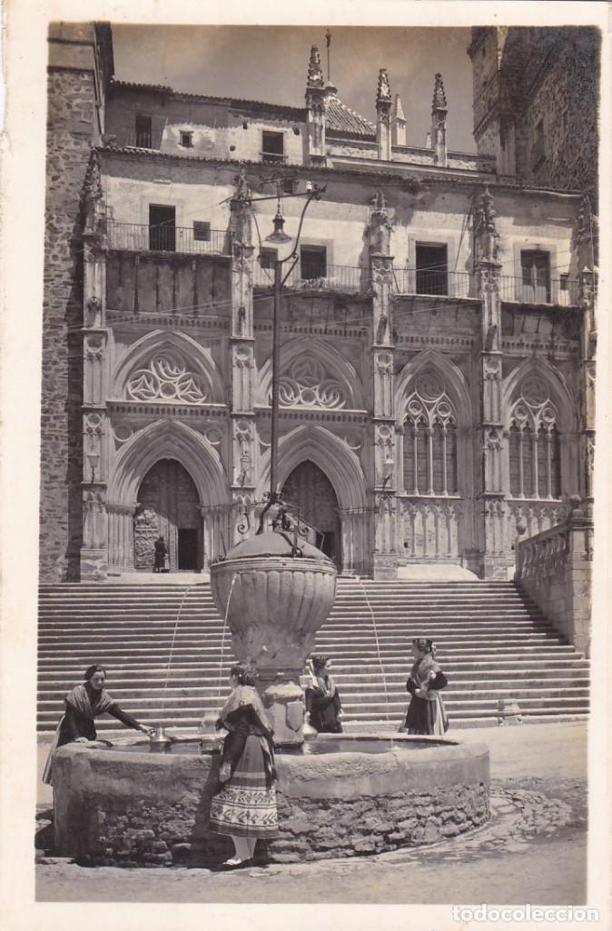 CACERES GUADALUPE FACHADA DEL MONASTERIO. ED. GARRABELLA Nº 9. CIRCULADA (Postales - España - Extremadura Antigua (hasta 1939))