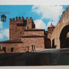 Postales: CÁCERES - ARCO DE LA ESTRELLA Y TORRE DE BUJACO - CIRCULADA - LAXC - P53599. Lote 270898323